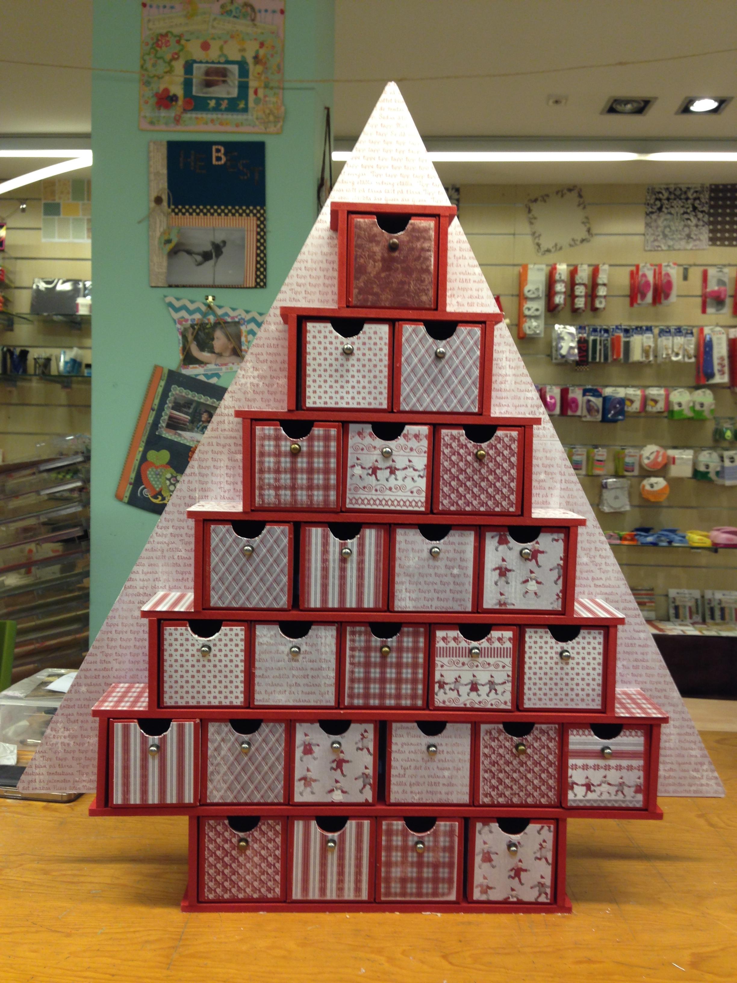 Calendario de adviento arbolito navidad pinterest for Calendario adviento ikea