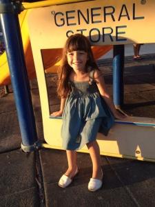 Vestido de Punto Smock muy  actual para Cayetana de 4 años